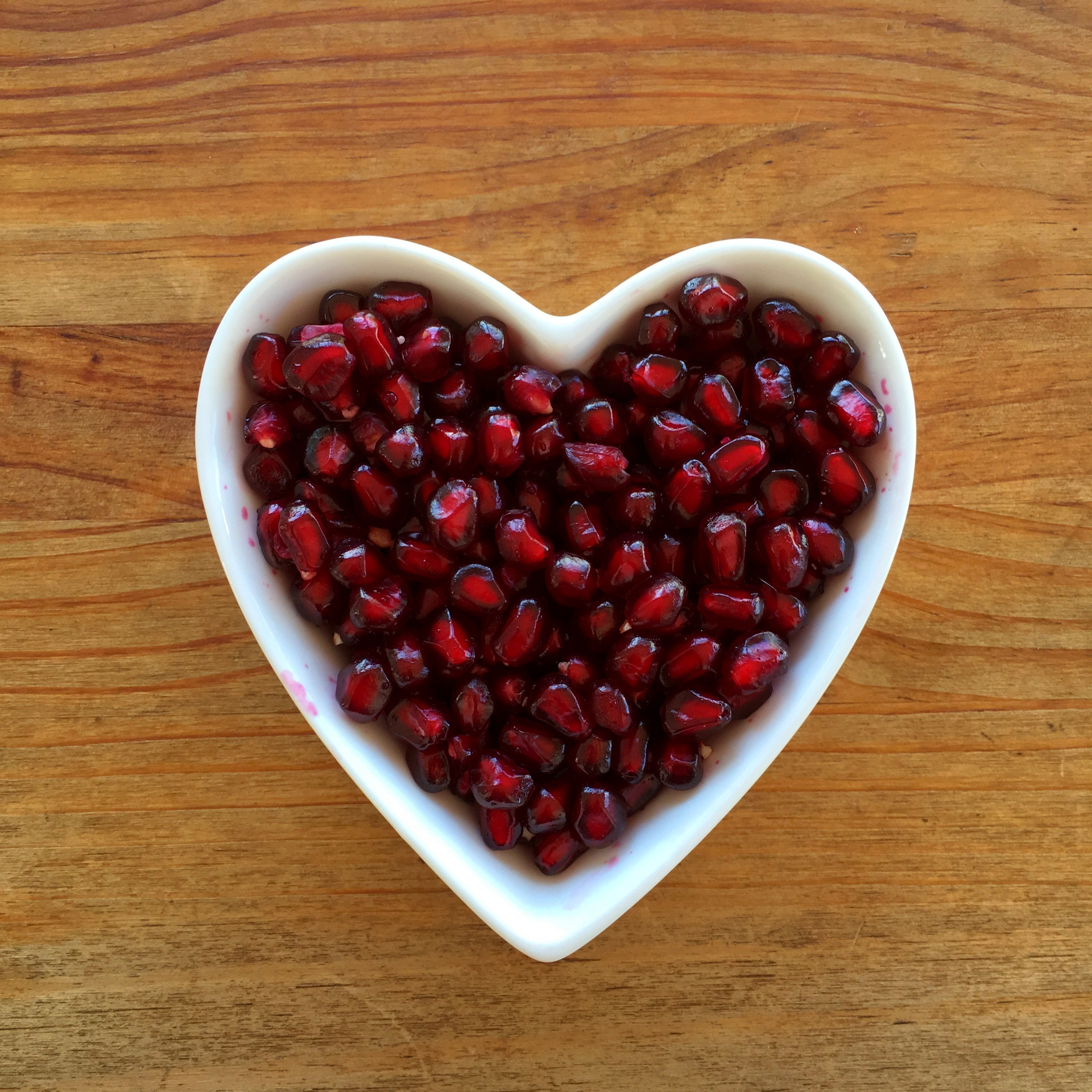 The Benefits of Pomegranate Juice: Find out how it protects your heart.