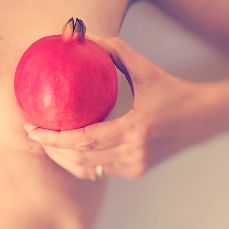 The properties of the pomegranate and breast cancer
